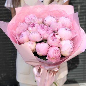 Букет из 19 розовых пионов — Букеты цветов