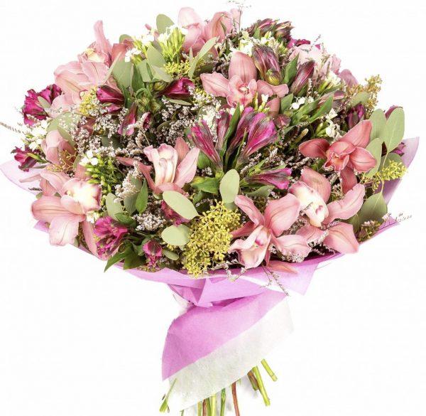 Букет из орхидей и альстромерий