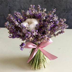 Букет из лаванды с хлопком — Букеты цветов