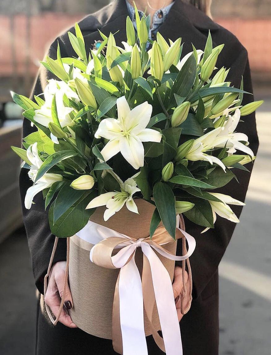 Цветы кузьминках, букеты из лилий доставка москва