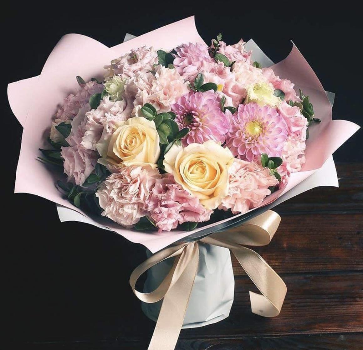 Доставки цветов, как сделать букет из роз и астр