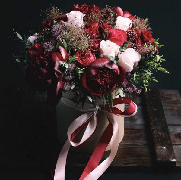 Арт-Букет из пионов из роз