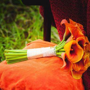 Букет невесты из калл «Манго» — Свадебные букеты