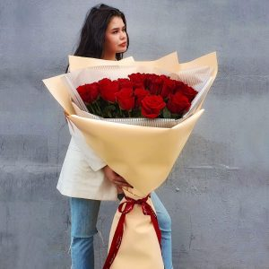 Букет из 25 роз 100 см — Букеты цветов