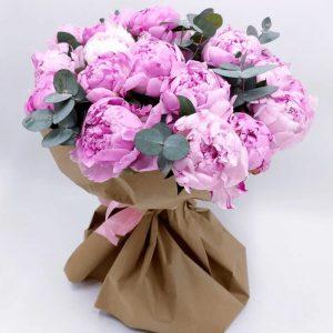 Розовый букет из 19 пионов — Букеты цветов