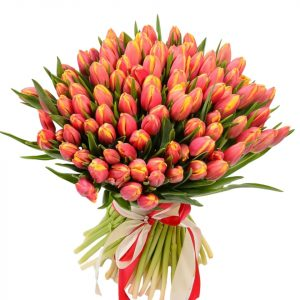 Букет из яркого 101 тюльпана — Букеты цветов