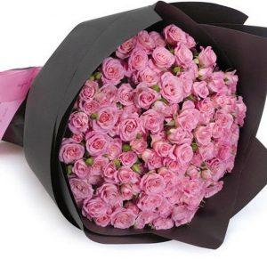 Букет из 19 кустовых розовых роз