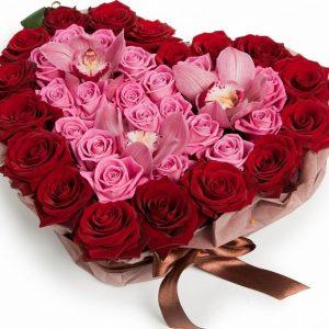 """Сердце """"Самой прекрасной"""" из роз и орхидей"""