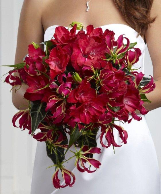 Букет невесты из лилий и гладиолусов