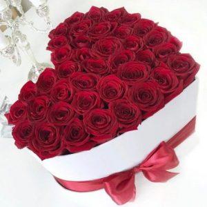 Розы в форме сердца