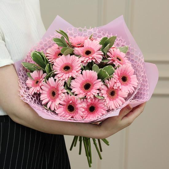 Букет из 19 розовых гербер — Букеты цветов