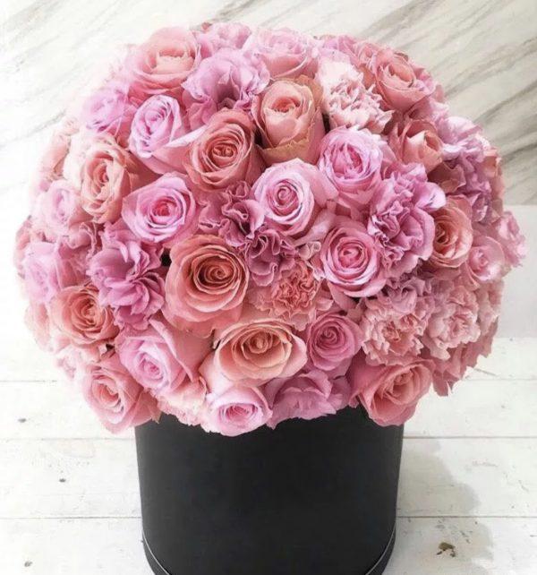 Премиум букет из роз и гвоздик в коробке