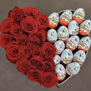 Сердце из роз и киндеров «Сладкое сердце»