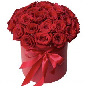 35 красных роз в коробке — Композиции