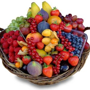 Большая корзина из ягод — Корзины с фруктами