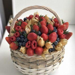 Корзина с ягодами №1 — Акции и скидки