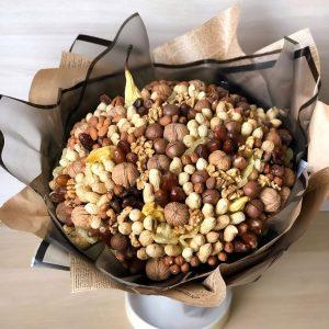 Букет из орехов и сухофруктов — Мужские букеты