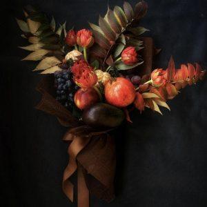 """Букет из тюльпанов и фруктов """"Батуми"""""""