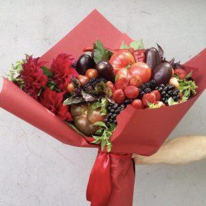 Букет из ягод и овощей «Амбасадор» — Букеты из клубники
