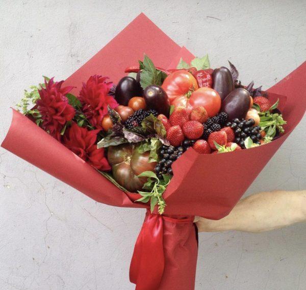 """Букет из ягод и овощей """"Амбасадор"""""""