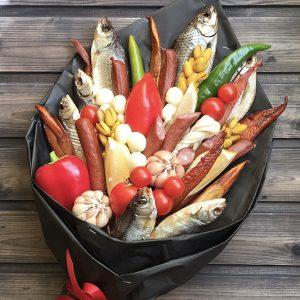 Мужской букет из колбас и рыбы