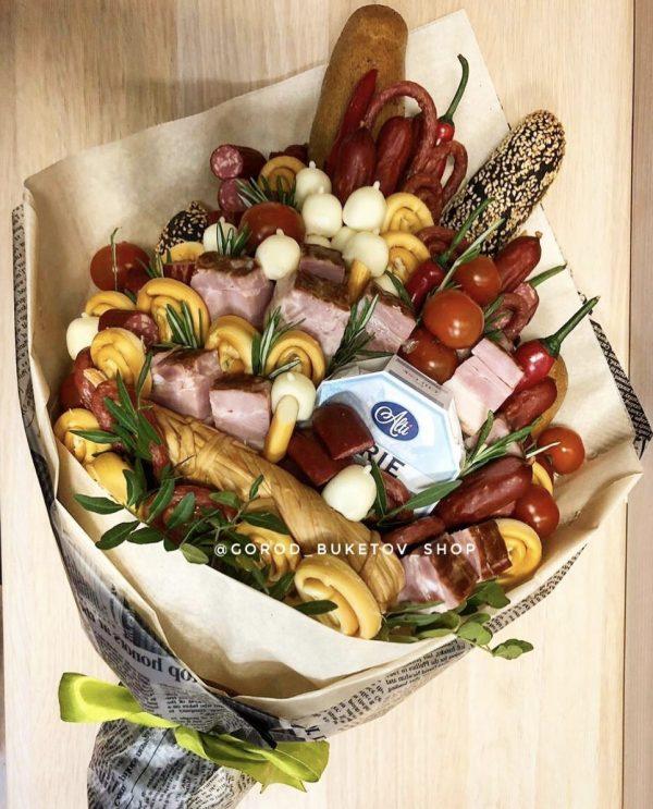 Крутой букет из мяса и сыра!