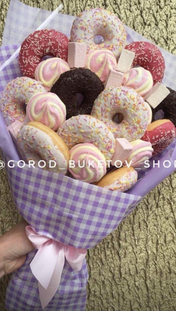 Сладкий букет с пончиками