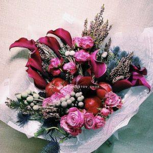 """Букет из калл, роз и фруктов """"Ля Дюре"""""""