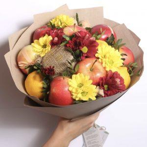 Букет из яблок и цветов — Акции и скидки