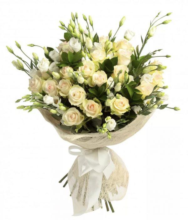 Букет роз и эустом и кустовых роз