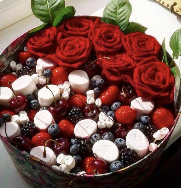 Ягодно-цветочная коробочка