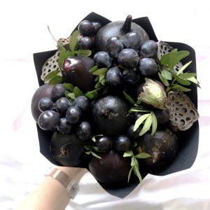"""Овощной букет """"Черный бархат"""""""