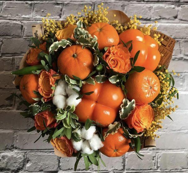 Оранжевый весенний букет