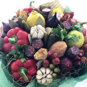 Мужской букет из мяса и овощей