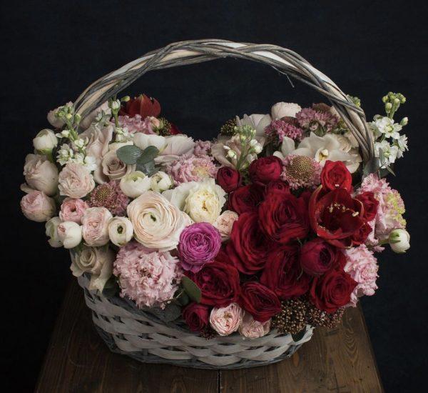 """Корзина с цветами """"Руби джем"""""""