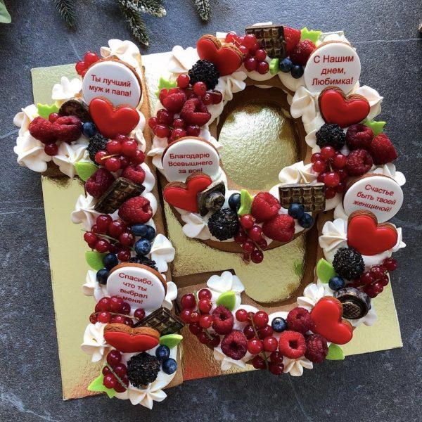Торт-цифра с ягодами (2 любые цифры)