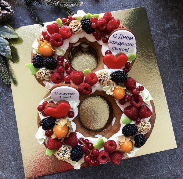 Торт-цифра с ягодами (1 любая цифра)