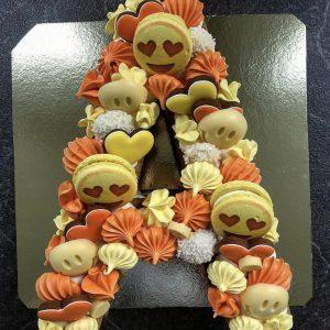 Торт-буква со сладостями (1 любая буква)