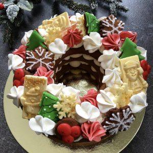 Новогодний торт-венок