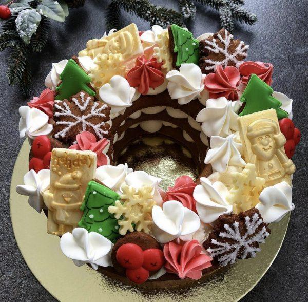 Новогодний торт-венок — Кондитерские изделия