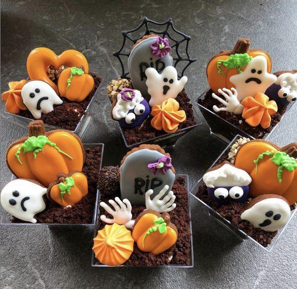 Тортики в стакане на хэллоуин