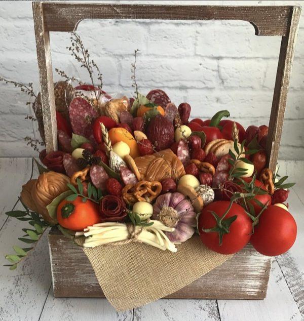 Букет из колбасы и овощей — Акции и скидки