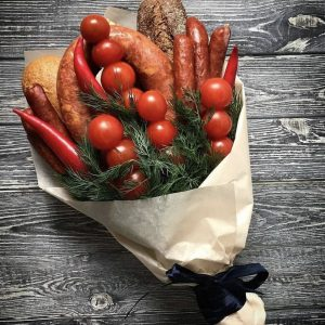 Букет из колбасы и помидоров — Акции и скидки