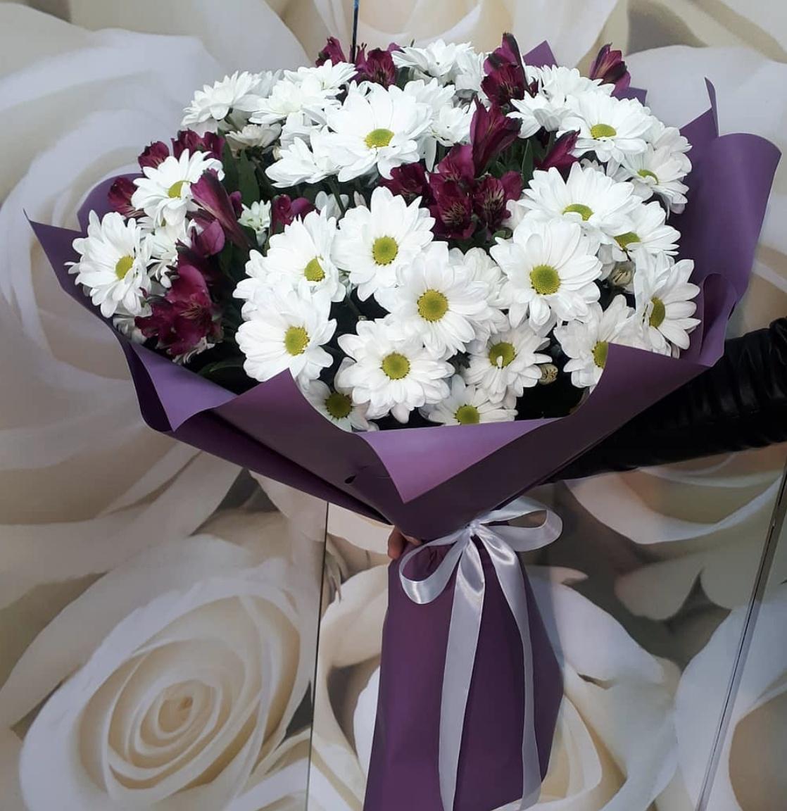 букеты из хризантем и альстромерий фото сезон для