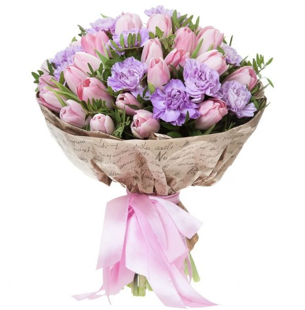 Букет из гвоздик и тюльпанов