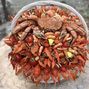 Корзина из морепродуктов — Букеты из креветок для мужчин