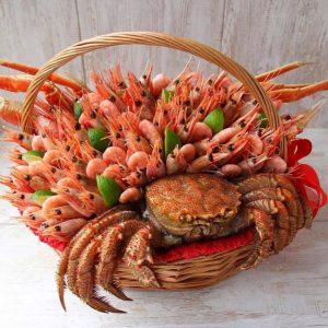 Корзина с морепродуктами «Севилья» — Мужские букеты