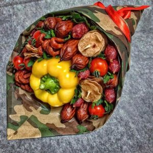 Колбасный букет «Маршал» — Мужские букеты