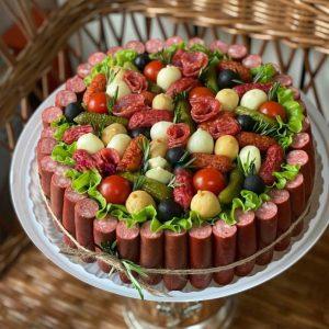 Мясной торт «Наполеон» — Мужские букеты