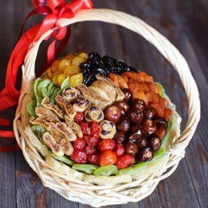 Подарочная корзина «Пряность» — Орехи и сухофрукты